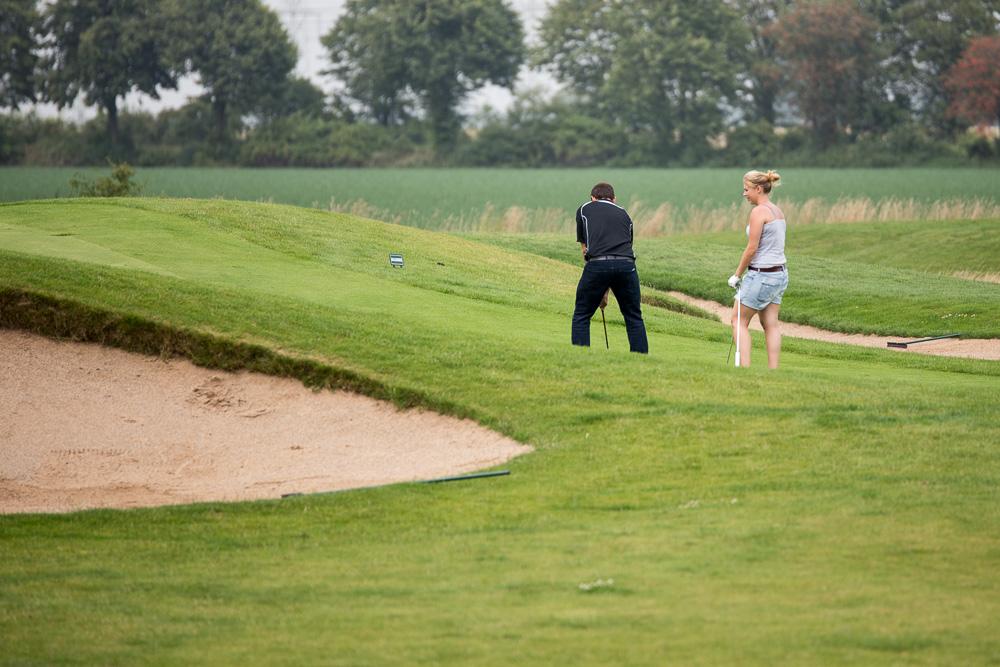 Die Golfcitycrew: Sarah und Matthias. (Foto von Andre Meinert / pixelsplash)