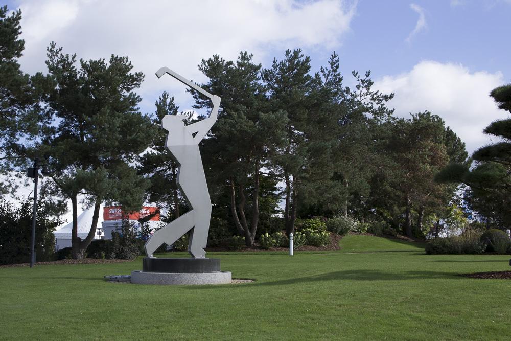 Golfer vorm Clubhaus St. Leon-Rot
